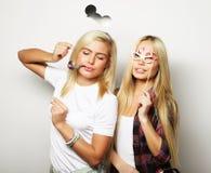 Deux meilleurs amis sexy élégants de filles prêts pour la partie Photos libres de droits
