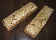 Deux miches de pain cuites au four à la maison Photographie stock libre de droits