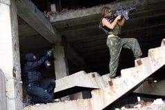 Deux militaires dans un uniforme Photo libre de droits