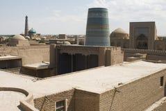 Deux minarets de ville de Khiva photographie stock libre de droits