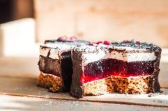 Deux morceaux de gâteau d'amour Photo libre de droits