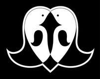 Deux oiseaux noirs et blancs sous la forme du coeur Photo stock