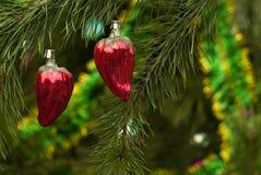 Deux ornements de Noël de vintage - fruits de paprika de poivre Image libre de droits