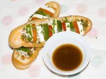 Deux ou trois hot dogs indiens Photos stock