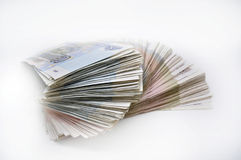 Deux paquets de 100 billets de banque de morceaux 100 cent cinquante roubles et 50 roubles de billets de banque de banque de la R Photos libres de droits