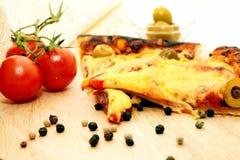 Deux parts de pizza Photos stock