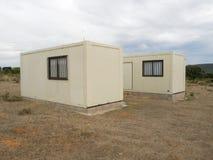 Deux pavillons isolés sur le chemin de St James en Espagne Image stock