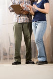 Deux personnes avec des presse-papiers Photo libre de droits
