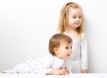 Deux petites filles mignonnes Image libre de droits