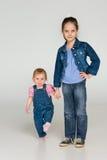 Deux petits enfants ensemble Photo libre de droits