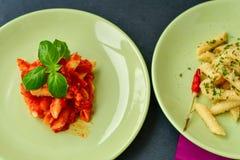 Deux plats de pâtes Photo libre de droits