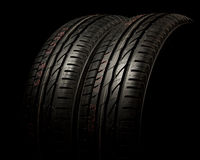 Deux pneus se ferment vers le haut Photo stock
