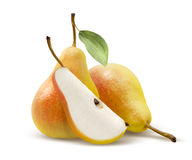 Deux poires et quarts jaunes dédoublés sur le blanc Photo stock
