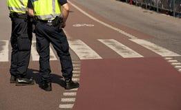 Deux policiers Photographie stock libre de droits