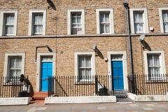 Deux portes bleues. Photo libre de droits