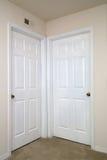 Deux portes intérieures fermées Images stock