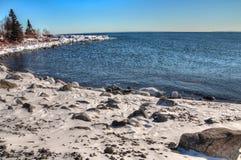 Deux ports est la communauté sur le rivage du nord du lac Supérieur i photo libre de droits