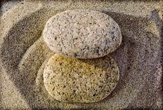 Deux roches éclipsées Photos libres de droits