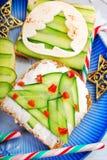 Deux sandwichs à forme d'arbre de Noël photographie stock libre de droits