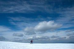 Deux skieurs transnationaux Photographie stock libre de droits