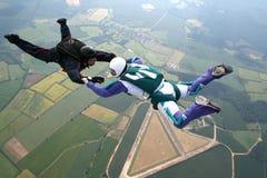 Deux skydivers dans la chute libre Image libre de droits