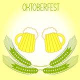 Deux tasses d'oreilles de bière et d'orge, Oktoberfest Images stock