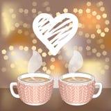 Deux tasses de cacao ou de café et coeur blanc de hachure Image libre de droits