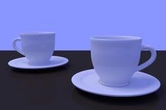 Deux tasses de café blanc avec la soucoupe sur une surface réfléchie foncée Images stock