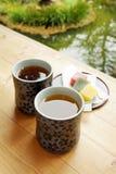 Thé dans le jardin photo stock