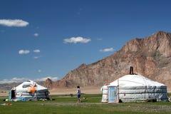 Deux tentes blanches ont appelé le gher Images stock