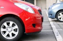 Deux véhicules neufs photo libre de droits