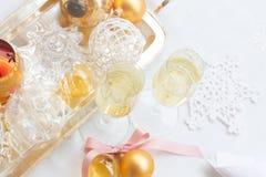 Deux verres de champagne de Noël Image libre de droits