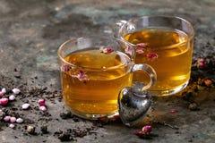 Deux verres de thé chaud Image stock