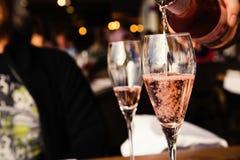 Deux verres de vin rosé Images stock