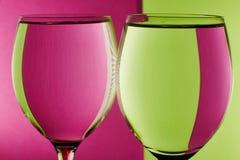 Deux verres sur la table Photos libres de droits