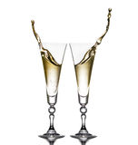 Deux verres sur un fond blanc Verres de champagne Éclaboussure Photographie stock