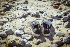 Deux vieilles chaussures Photos libres de droits