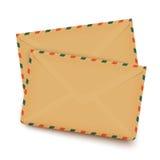 Deux vieilles rétros enveloppes d'isolement sur le blanc Photo libre de droits