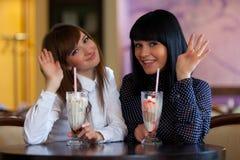 Deux wemen en café Photos libres de droits