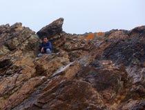 Deuxièmes vallée et homme rocailleux Photographie stock