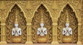 Deva και Lotus στο χρυσό τοίχο Στοκ Φωτογραφίες