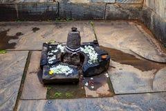 Devalaya y lingam hindúes de Shiva en Polonnaruwa Fotos de archivo libres de regalías