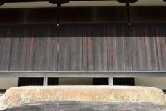 Devant le balcon japonais de château Photographie stock libre de droits