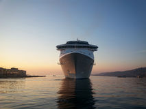 Devant le bateau photo libre de droits