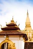 Devant le temple. Image libre de droits
