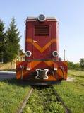 Devant le train rouge Photos stock