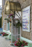 Devanture de magasin mignon dans une petite ville Photographie stock libre de droits