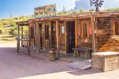 Devanture de magasin occidentaux sauvages dans le désert de l'Arizona Photos libres de droits