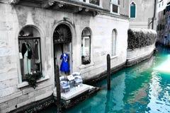 Devanture de magasin sur le canal de Venise Photos libres de droits