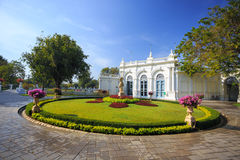 Devaraj-Kunlai gate Bang Pain palace Thailand Royalty Free Stock Photography